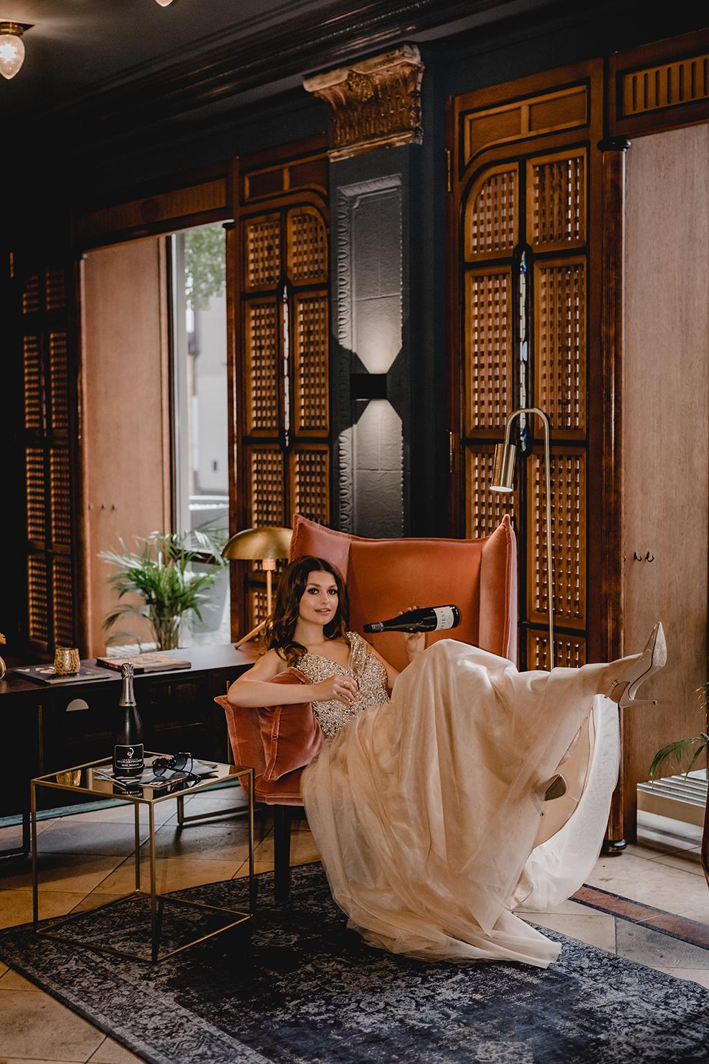 Brautkleid mit Glitzer und Tüll - Feelings Braut & Festmode