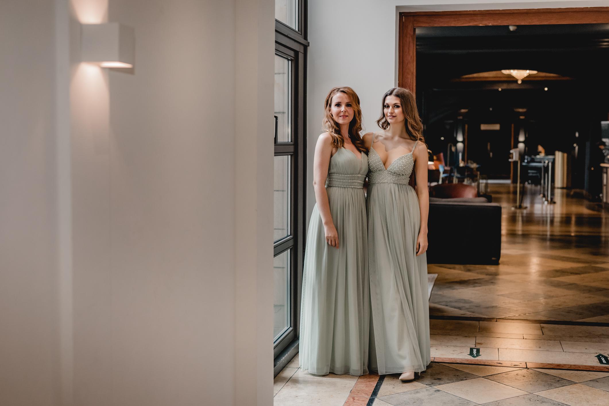 Elegantes bodenlanges leichter Stoff Kleid - Brautjungfern und Trauzeugin - Festmoden - Feelings Braut & Festmode