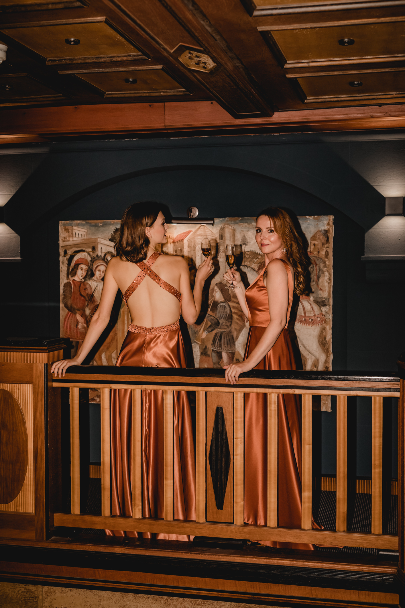 Elegantes figurbetontes Abendkleid - Feelings Braut & Festmode
